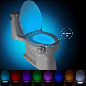 idee cadou baie senzor led toaleta